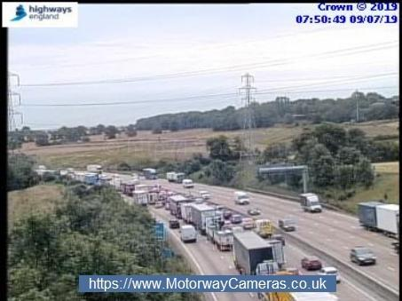Heavy traffic on the M25 heading clockwise between J24 (Potters Bar) and J25 (Enfield)