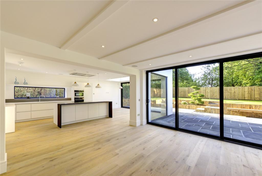 This georgeous home in Chalfont Lane, Rickmansworth, is on sale for £1,950,000. Photo: Right Move