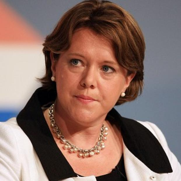 Maria Miller will meet the newspaper industry's most powerful editors to push for urgent action in setting up a new press watchdog
