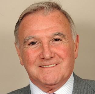 Sir Malcolm Bruce has been elected as the new deputy leader of the Liberal Democrats.