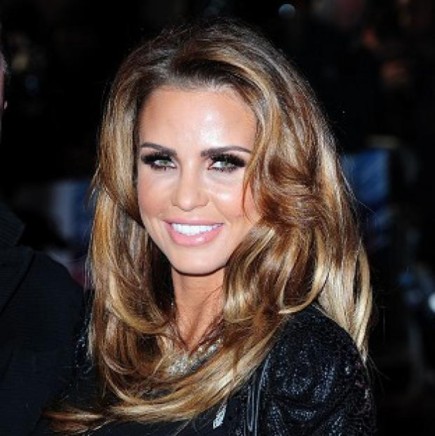 Hillingdon Times: Pregnant Katie Price told her fans on Twitter that she is getting divorced
