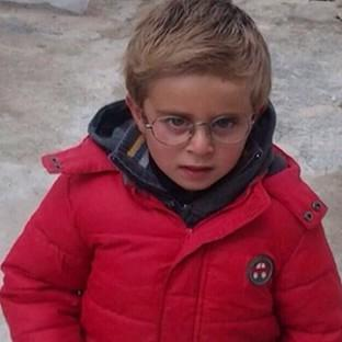 The father of six-year-old British boy Muadh Zain, who is trapped in Syria, has launched an impassioned plea for the Government to help him escap