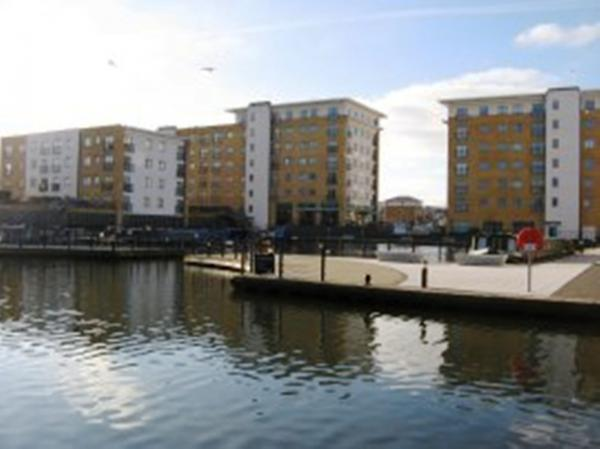 Life by the canal: your views are in demand