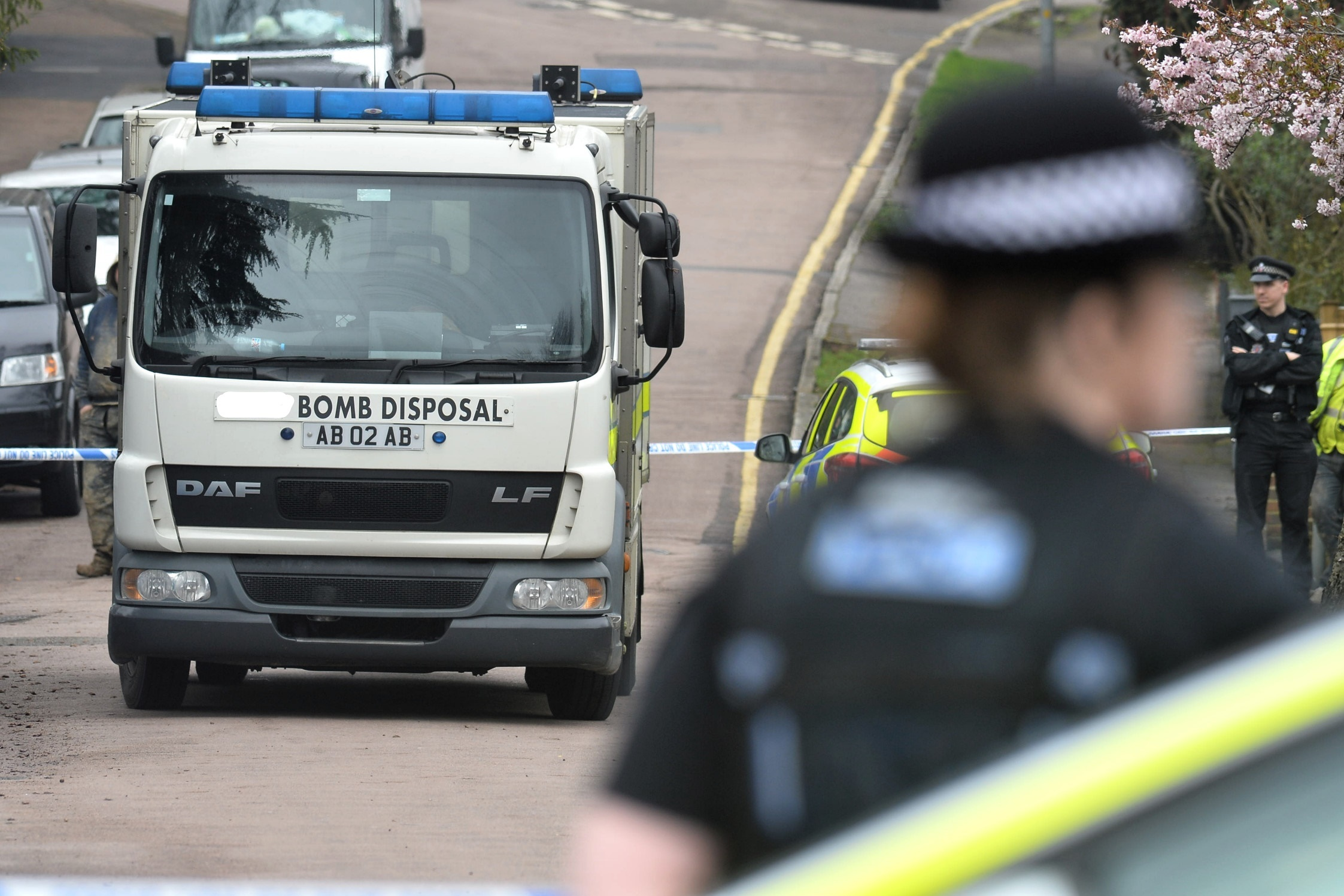Bomb disposal called to Abbots home