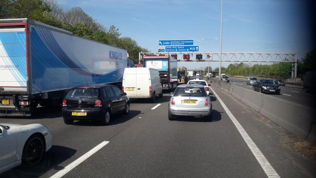 Queues on May 15 on the approach to the closure at j18 for Chorleywood. Credit: Twitter/@SSchmidLandsca1